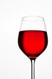 Glas Rotwein lokalisiert Copyspace Lizenzfreies Stockbild