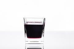 Glas Saft der schwarzen Johannisbeere Stockbild