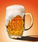 Glas Schaumgummi des hellen Bieres lizenzfreie stockfotografie