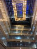 Glas, spiegels en helder licht royalty-vrije stock afbeelding