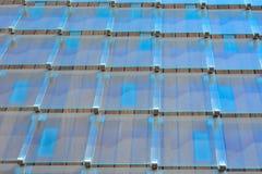Glas-tegels op een modern dak Stock Foto