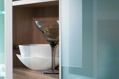 Glas- und Glastürküche stillife lizenzfreie stockbilder