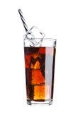 Glas van de drankkoude van de kolasoda met ijsblokjes Royalty-vrije Stock Fotografie