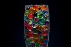 Glas van kleurrijke ballen royalty-vrije stock foto