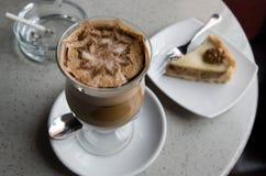 Glas van koffiemoccoccino royalty-vrije stock foto's