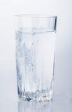 Glas van mineraalwaterbellen Royalty-vrije Stock Foto