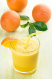 Glas von orange Smoothie Stockfoto