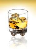 Glas von schottischem mit Ausschnittspfad Stockfotografie