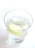 Glas Water in hoog Zeer belangrijk Royalty-vrije Stock Fotografie