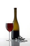 Glas Wein auf Weiß Stockfotografie