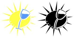 Glas Wein in der stilisierten Sonne lokalisiert Stockfotos