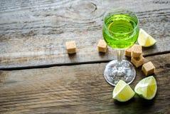 Glas Wermut lizenzfreie stockfotos