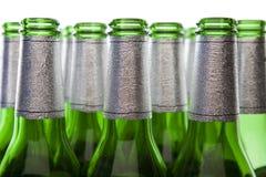 Glas-Wiederverwertung - leere Bierflaschen Lizenzfreies Stockfoto