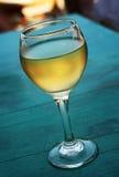 Glas witte wijn Stock Foto's
