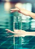 Glas zuiver water Royalty-vrije Stock Afbeeldingen