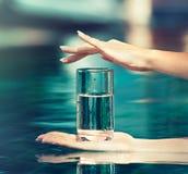 Glas zuiver water Royalty-vrije Stock Foto