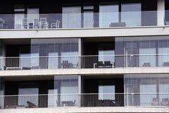 Glasade loggior av en modern byggnad Arkivfoto