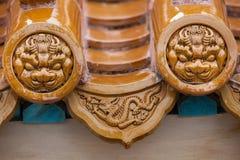 Glasade taktegelplattor för traditionell kines Arkivbilder