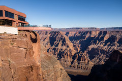 Glasbeobachtungsbrücke Skywalk an Grand Canyon -Westkante - Arizona, USA Stockfoto