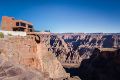 Glasbeobachtungsbrücke Skywalk an Grand Canyon -Westkante - Arizona, USA Stockbilder