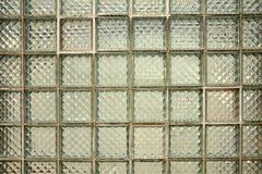 Glasblock deckt Hintergrund mit Ziegeln Lizenzfreie Stockbilder