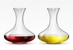 Glasdekantiergefäß mit Rotwein und Dekantiergefäß mit Weißwein, auf transparentem Hintergrund Lizenzfreie Stockfotos