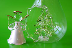 Glasengel u. Baum Stockfotos