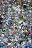 Glasflessen voor recycling Stock Foto