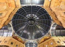 Glasgalerie - Galleria Vittorio Emanuele - Mailand stockfoto