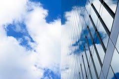 Glasgebäude mit Wolkenreflexionen Stockfotos