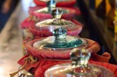 Glasgefäß mit Kräuter gegoren im Glas Stockfotos