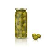 Glasgefäß mit Oliven und Reflexion Lizenzfreie Stockfotografie