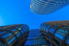 Glasgeschäftsgebäude Bue Stockbilder
