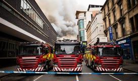 Glasgow, Escocia - Reino Unido, el 22 de marzo de 2018: Fuego grande en el centro de ciudad de Glasgow en la calle de Sauchiehall foto de archivo