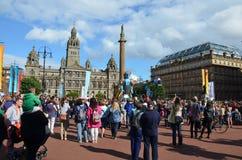 Grote Mens die, het KoopvaardijFestival van de Stad, Glasgow lopen Royalty-vrije Stock Foto