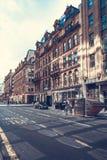Glasgow miasta ulicy z ludźmi i turystami chodzi, 01 08 2017 Obraz Royalty Free