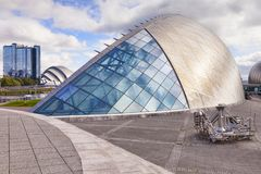 Glasgow Science Centre, Scotland, UK. 19 September 2015: Glagow, Scotland, UK - Glasgow Science Centre. In the background are the Crowne Plaza Hotel and the SECC stock photography