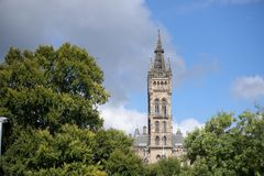 Glasgow, Scozia, il 7 settembre 2013, costruzione principale e torre dell'universit? di Glasgow a Gilmorehill fotografia stock libera da diritti