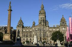 GLASGOW SKOTTLAND, UK - AUGUSTI 07, 2015: sikt av George Square i Glasgow arkivfoto