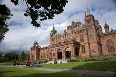 Glasgow, Szkocja, 8th 2013 Wrzesie? Kelvingrove galeria sztuki i muzeum blisko Kelvingrove parka, Argyle ulica zdjęcie stock