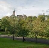 Glasgow University byggnader från Kelvingrove parkerar, Skottland, UK Arkivbild