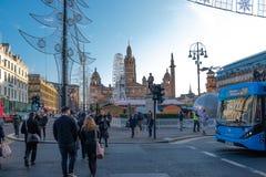 Glasgows George Square am Weihnachten lizenzfreie stockbilder