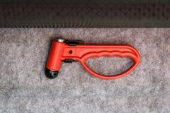 Glashammerwerkzeug des roten Evakuierungsnotbruches auf Öffentlichkeitstransport Lizenzfreies Stockbild