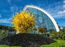 Glashaus und Glasmuseum Skulptur Chihuly lizenzfreie stockfotos