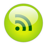 Glasige Ikone des Grün-RSS Stockbild