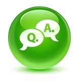Glasiger grüner runder Knopf der Frage-Antwortblasenikone Lizenzfreies Stockfoto