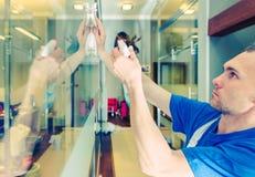 Glasiges Büro-Innenreinigung Stockfoto