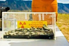 Glaskasten radioaktives Material Stockfotografie