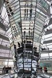 Glaskoepel op de bovenkant van Reichstag-de bouw Stock Foto