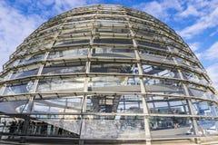 Glaskoepel van de bouw van Reichstag Bundestag in Berlijn, Duitsland stock afbeelding